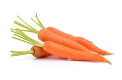 Cenouras frescas isoladas no fundo branco Imagens de Stock