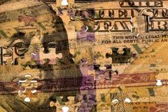 Cent billets d'un dollar et obligation d'épargne d'épargne sur formules de trésor des USA Photos libres de droits
