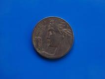 20 cent mynt, kungarike av Italien över blått Royaltyfri Fotografi