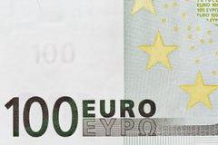 Cent plans rapprochés de billet de banque d'euro Image libre de droits