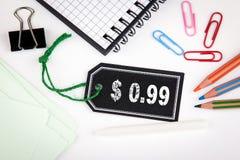 centavo de 99 dólares Preço com corda em um fundo branco Fotos de Stock Royalty Free
