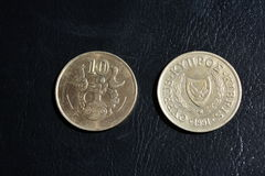 Centavos de Chipre - monedas de diversas denominaciones Fotos de archivo libres de regalías