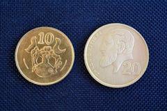 Centavos de Chipre - monedas de diversas denominaciones Imágenes de archivo libres de regalías