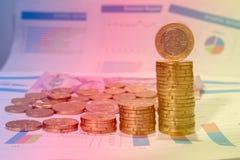Centavos euro y gráfico Imagen de archivo