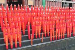 Centenas de velas vermelhas para rituais religiosos no Lingyin Temple confucionista, Hangzhou, China Imagem de Stock