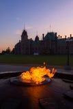 Centennial płomienia & pokoju wierza w parlamentu budynku Obrazy Royalty Free