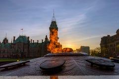 Centennial płomienia & pokoju wierza w parlamentu budynku Obraz Royalty Free