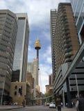 center sikt för stadsskysydney torn Arkivbild