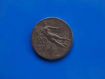 20 centesimi coniano, regno dell'Italia sopra il blu Fotografia Stock Libera da Diritti