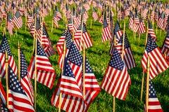 Centinaia di bandiere americane Fotografie Stock Libere da Diritti