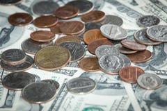 Centmünzen über hundert USA-Dollar Lizenzfreies Stockbild