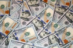 Cento banconote dell'americano del dollaro Immagini Stock Libere da Diritti