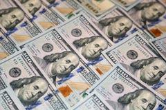 Cento banconote dell'americano del dollaro Fotografia Stock