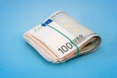 100 cento banconote dell'euro isolate Fotografia Stock