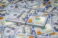 Cento dollari delle fatture di fondo del biglietto Immagini Stock Libere da Diritti