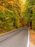 Cento strade delle curve in montagne parco nazionale, Polonia della Tabella fotografia stock libera da diritti