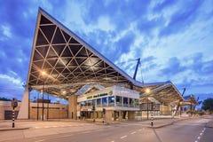 Centraal Iconisch station bij dageraad, Tilburg, Nederland royalty-vrije stock afbeeldingen