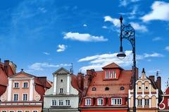 Centraal marktvierkant in Wroclaw Polen met oude kleurrijke huizen, de lamp van de straatlantaarn Het concept van de reisvakantie royalty-vrije stock foto's