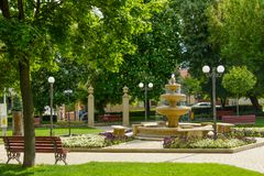 Centraal park van de stad van Simleu Silvaniei, Salaj-provincie, Transsylvanië, Roemenië Stock Foto