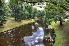 Centraal park van Riga in zomer stock afbeeldingen