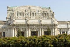 Centraal station hoofdvooruitzicht, Milaan Royalty-vrije Stock Fotografie