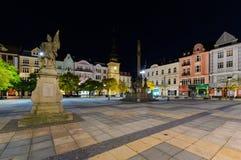 Centraal vierkant van Ostrava in de nacht royalty-vrije stock foto's