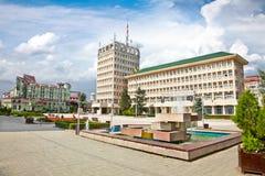 Centraal vierkant van Targoviste in Roemenië. Stock Afbeeldingen