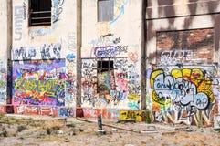 Central eléctrica abandonada en color Imagen de archivo libre de regalías