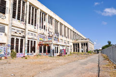 Central eléctrica abandonada: Una perspectiva Fotografía de archivo libre de regalías