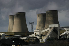 Central eléctrica ardente de carvão Fotos de Stock Royalty Free