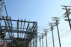 Central eléctrica de alto voltaje - estación de la transformación Imagen de archivo