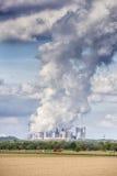 Central eléctrica de energía del carbón de las emisiones Fotografía de archivo libre de regalías