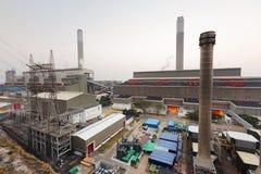 Central eléctrica de Hong Kong en la puesta del sol Fotos de archivo libres de regalías