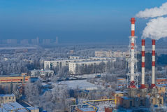 Central eléctrica en invierno Foto de archivo