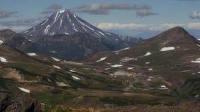 Central eléctrica geotérmica de Mutnovskaya Península de Kamchatka, Extremo Oriente ruso metrajes