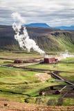 Central eléctrica geotérmica, Islandia Imagenes de archivo
