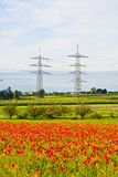 Central eléctrica y estación de la distribución en paisaje Fotografía de archivo libre de regalías