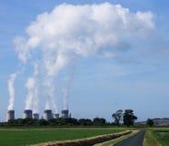 Central elétrica de Drax com as nuvens do vapor foto de stock royalty free