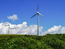 Central elétrica de energias eólicas na ilha de Yonaguni Imagem de Stock Royalty Free