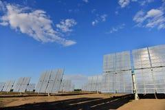 A central elétrica de energias solares Imagens de Stock