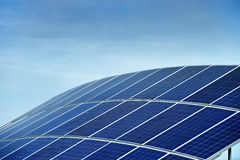 Central elétrica de energias solares Foto de Stock