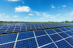 Central elétrica de energias solares Imagem de Stock Royalty Free