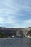 Central elétrica de Sayano-Shushenskaya hidro no rio Yenisei Imagem de Stock Royalty Free