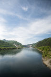 Central elétrica de Sayano-Shushenskaya hidro no rio Yenisei Imagem de Stock