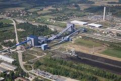 Central elétrica na mina de carvão imagens de stock