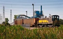 A central energética do trem de carvão descarrega Imagem de Stock