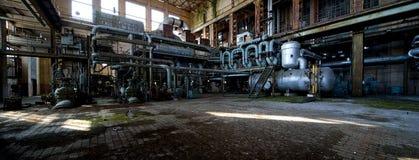 Central energética velha Fotos de Stock