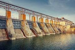 Central hidroeléctrica eléctrica Fotos de archivo