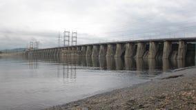 Central hidroeléctrica por la tarde Timelapse metrajes