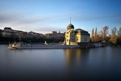 Central hidroeléctrica, Praga, República Checa Fotos de archivo libres de regalías